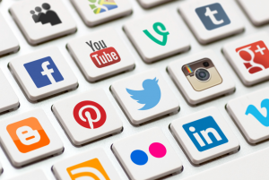 tuyển dụng IT social media